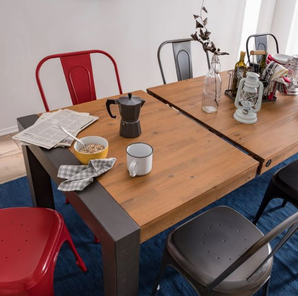 Nook and Cranny's Extendable Dining Table